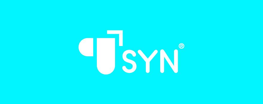 SYN Logo auf cyanfarbenem Grund